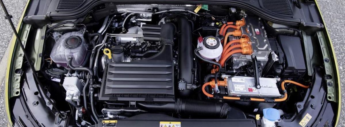 Detalle del sistema de motores y baterías del nuevo Volkswagen Golf eHybrid