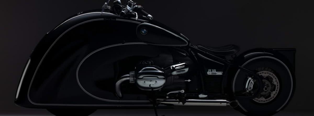 Vista lateral de la nueva BMW R 18 spirit of passion