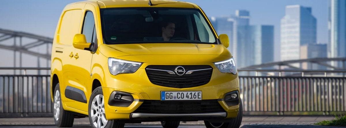 imagen del Opel Combo-e Cargo_en ciudad