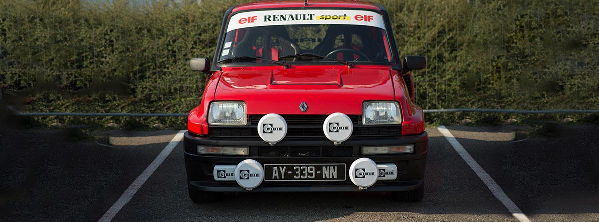Frontal del Renault 5 Turbo en rojo
