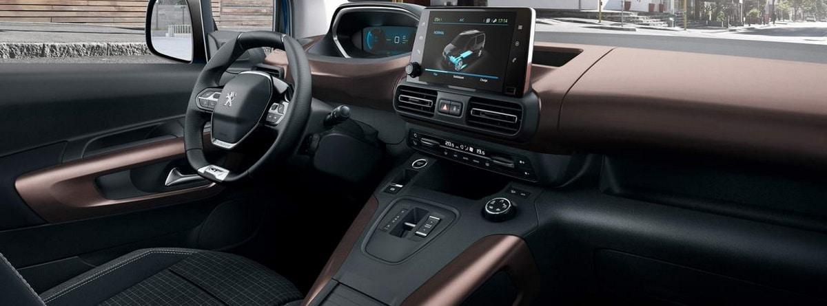 Interior del Peugeot e-Rifter
