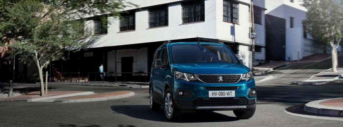 Peugeot e-Rifter en ciudad