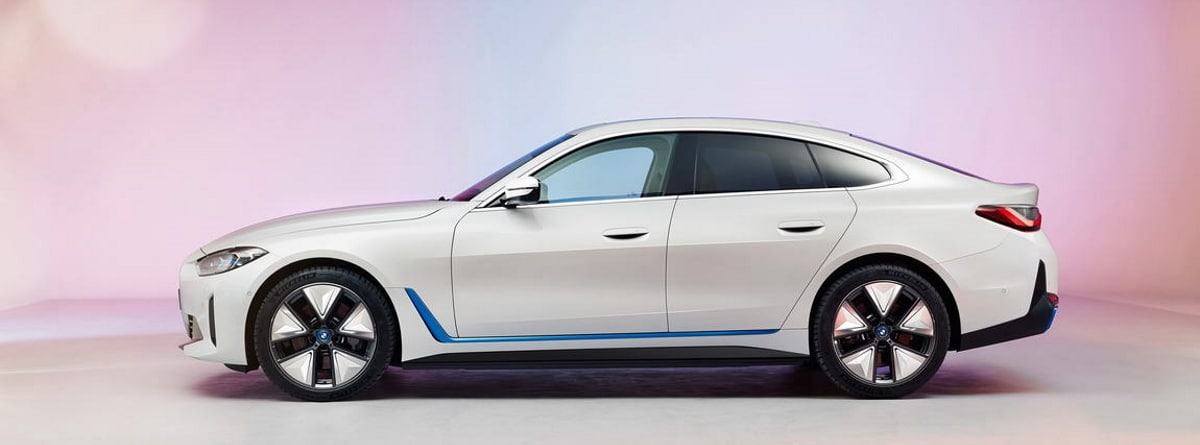 nuevo BMW i4, imagen lateral