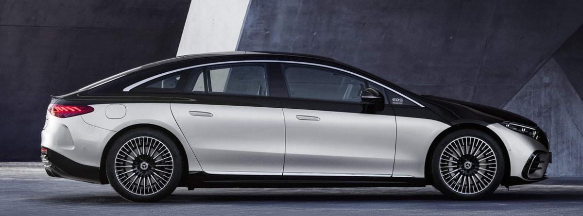 Lateral del nuevo Mercedes Benz EQS, bicolor y llantas
